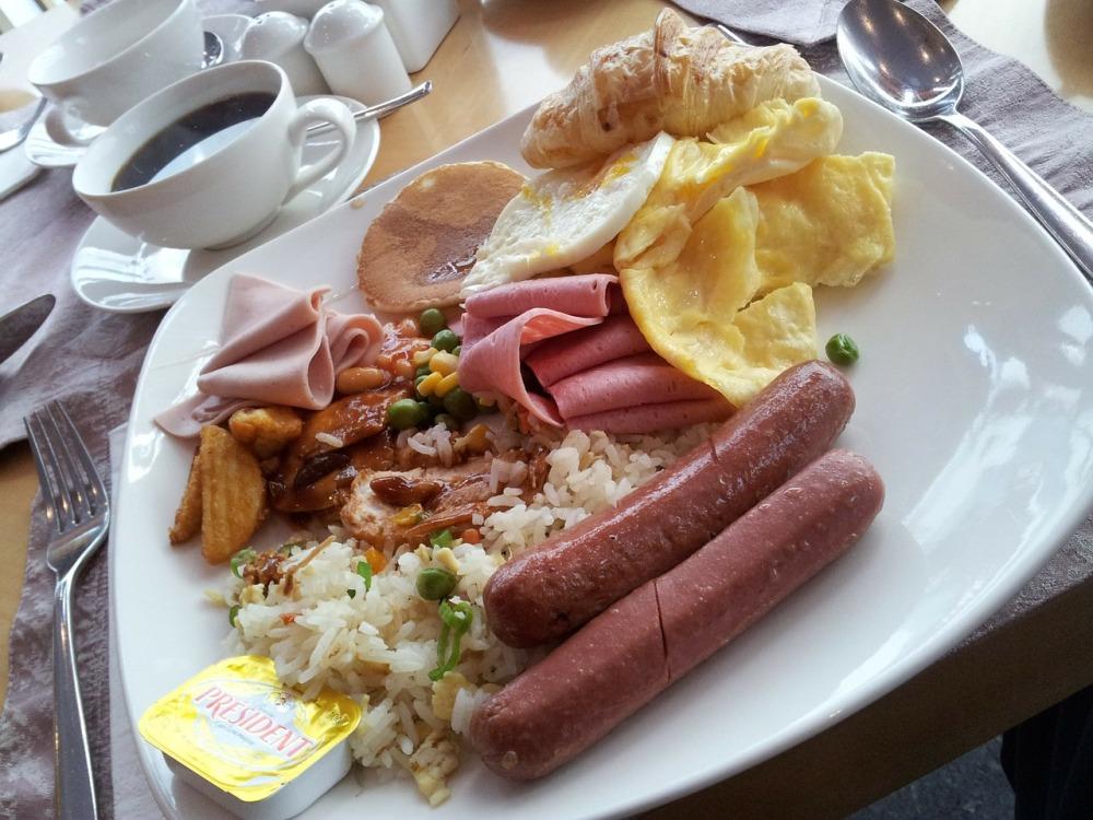 breakfast-111840_1280